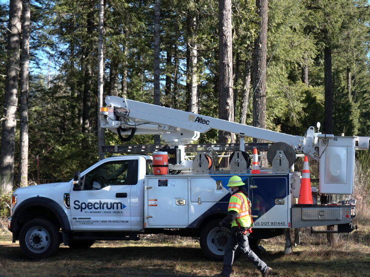 Spectrum tech working on broadband infrastructure